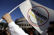 Sondaggi: Il Movimento 5 Stelle è il secondo partito italiano, Renzi perde tre punti