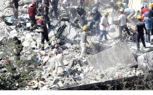 Basta crolli, subito la messa in sicurezza del patrimonio edilizio di Napoli e Provincia