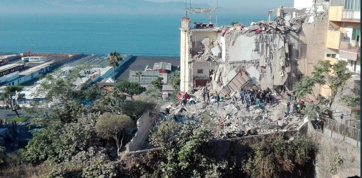 Crollo Palazzina Torre Annunziata, la Cgil chiede di rendere obbligatorio il fascicolo del fabbricato